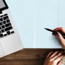 Hogyan születik az író? – interjú Róbert Katalinnal